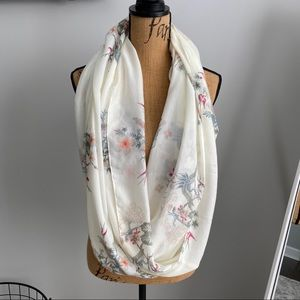 White infinity scarf with bird pattern H&M